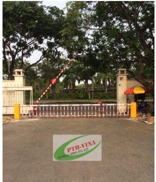barie tự động dạng hàng rào chắn cổng quân đội